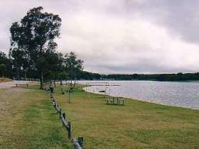 Storm King Dam - Accommodation in Bendigo