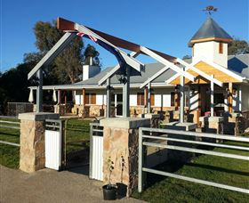 Flyfaire Wines - Accommodation in Bendigo