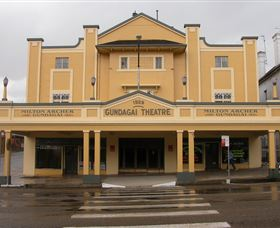 Gundagai Emporium - Accommodation in Bendigo