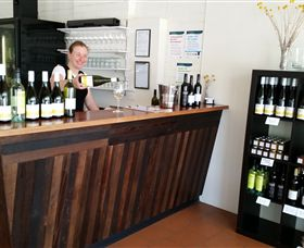 Billy Button Wines - Accommodation in Bendigo