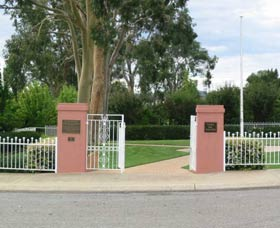 Japanese and Australian War Cemeteries - Accommodation in Bendigo