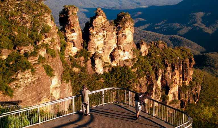 Echo Point lookout Three Sisters - Accommodation in Bendigo