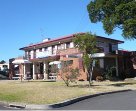 Hotel Oaks - Accommodation in Bendigo