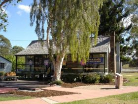 Hay Cottage Arts and Crafts Association Incorporated - Accommodation in Bendigo