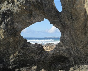 Glasshouse Rocks and Pillow Lava - Accommodation in Bendigo