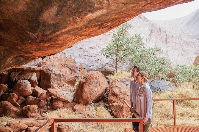 Uluru Base and Sunset Half-Day Trip with Optional Outback BBQ Dinner - Accommodation in Bendigo