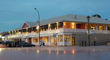 Seacliff Beach Hotel - Accommodation in Bendigo