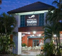Runaway Bay Tavern - Accommodation in Bendigo