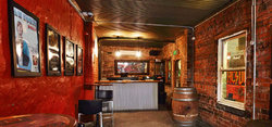 Bar 9T4 - Accommodation in Bendigo