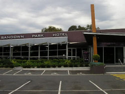 Sandown Park Hotel - Accommodation in Bendigo