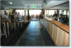 Bateau Bay Hotel - Accommodation in Bendigo