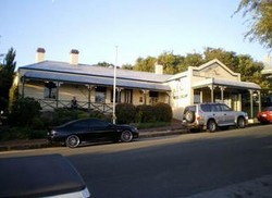Earl of Spencer Historic Inn - Accommodation in Bendigo
