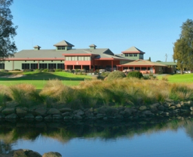 ClubCatalina Country Club - Accommodation in Bendigo