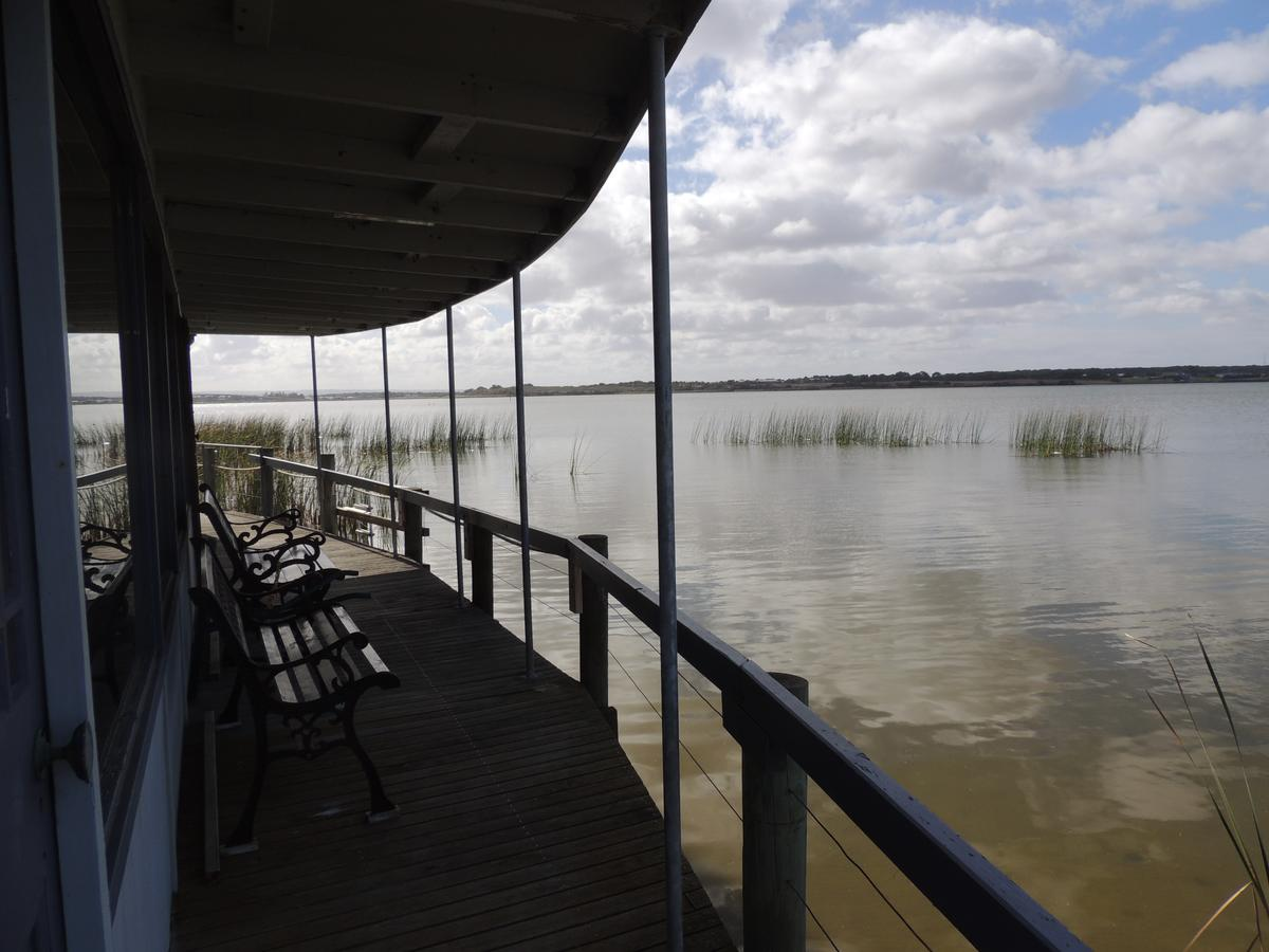 PS Federal Retreat Paddle Steamer Goolwa - Accommodation in Bendigo