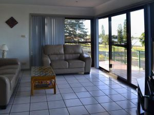 Oxley 8 at Tuncurry - Accommodation in Bendigo