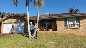 Twin Palms Holiday House at Lighthouse - Accommodation in Bendigo