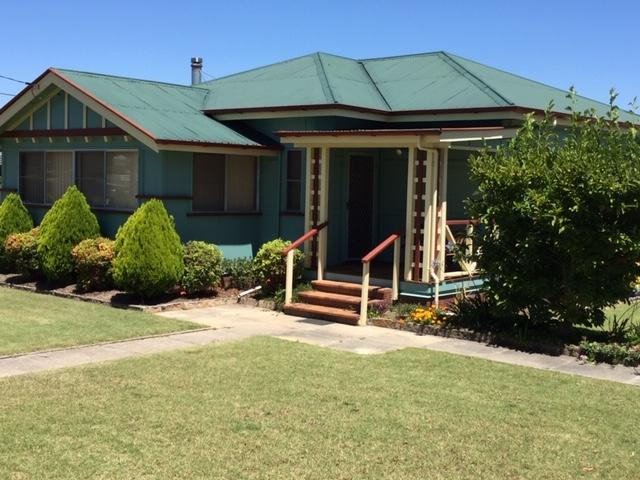 FROGGIES HOLIDAY HOUSE - Accommodation in Bendigo