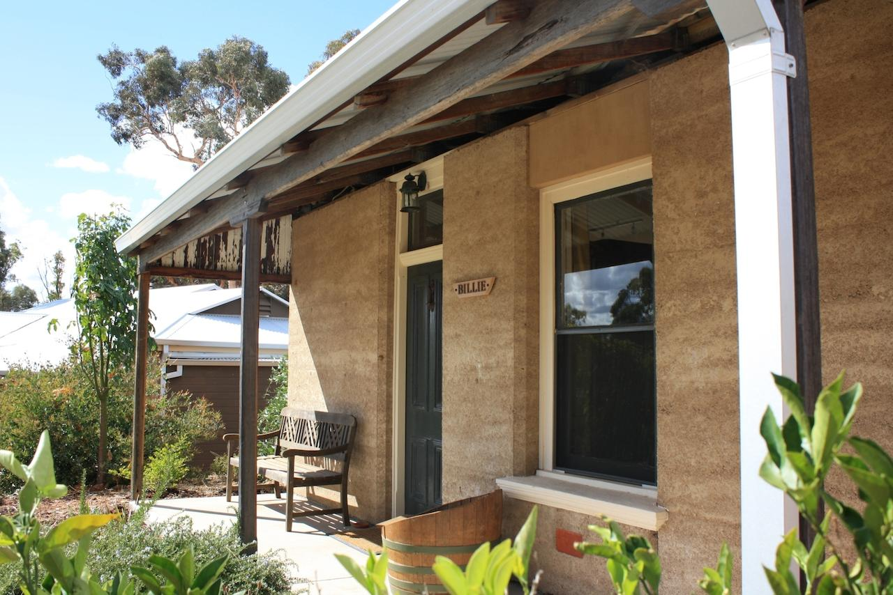 Hotham Ridge Winery and Cottages - Accommodation in Bendigo