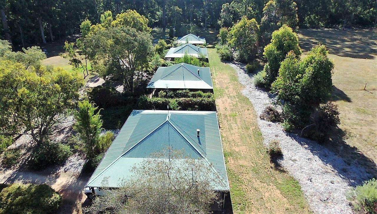 Treenbrook Cottages - Accommodation in Bendigo