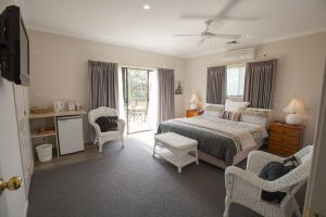 Batemans Bay Manor - Bed and Breakfast - Accommodation in Bendigo